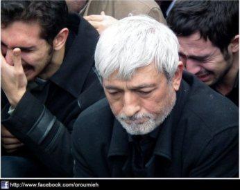 دکتر رسول خدابخش در مجلس ترحیم فرزند و همسرش از قربانیان سقوط هواپیما